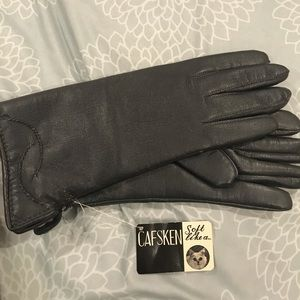 NWT dark grey fur lined gloves